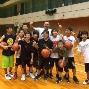 大阪府高槻市のバスケットボールスクールTCBA練習風景